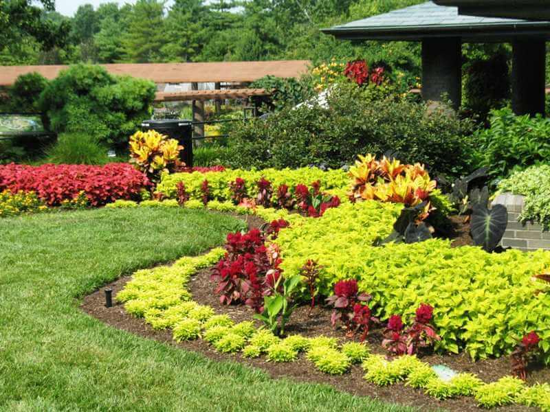 10 amazing gardening landscaping design ideas